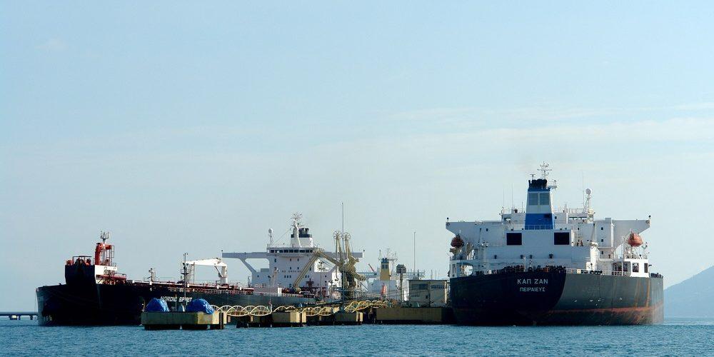 oil-ship-1449617-1599x1066