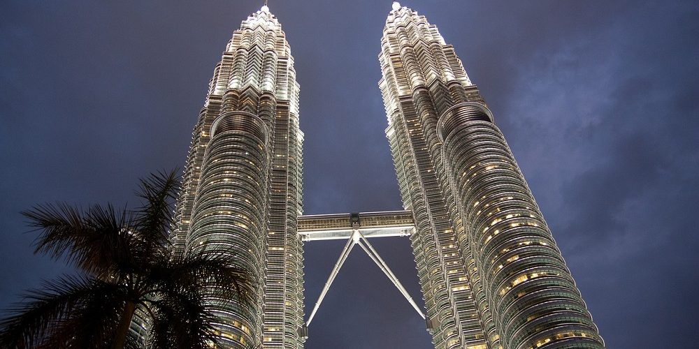 petronas-towers-1643952_1280